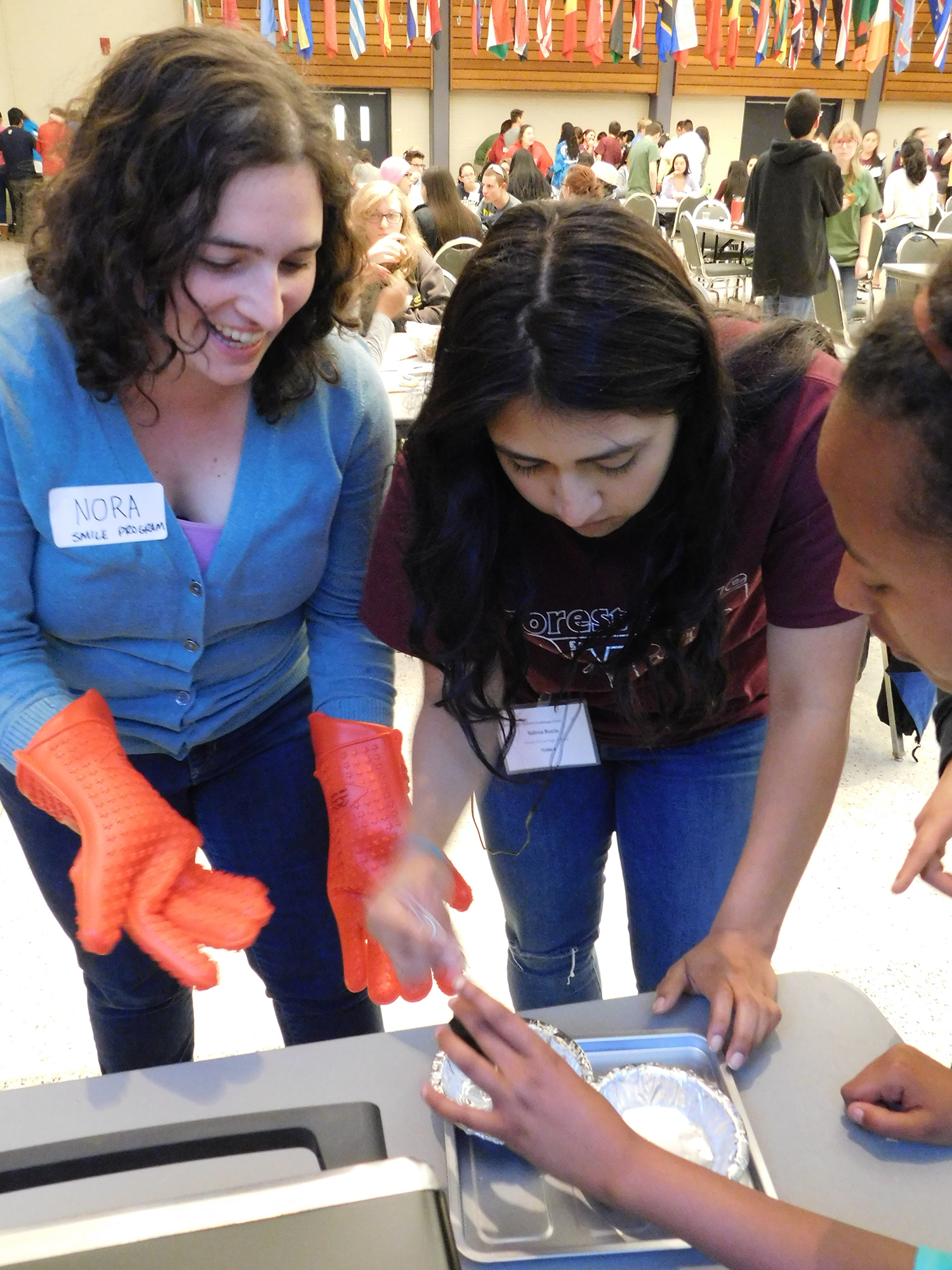 SMILE coordinator helps students make bioplastic